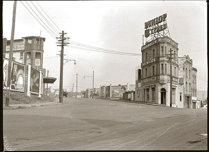 Streetscape, Pyrmont, early 1940s. Union Street and Pyrmont Bridge Road.