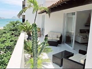 3 bedroom penthouse a few steps from the Ipanema beach, Rio de Janeiro.  http://www.homeaway.com.au/holiday-rental/p886056a #apartments #rio