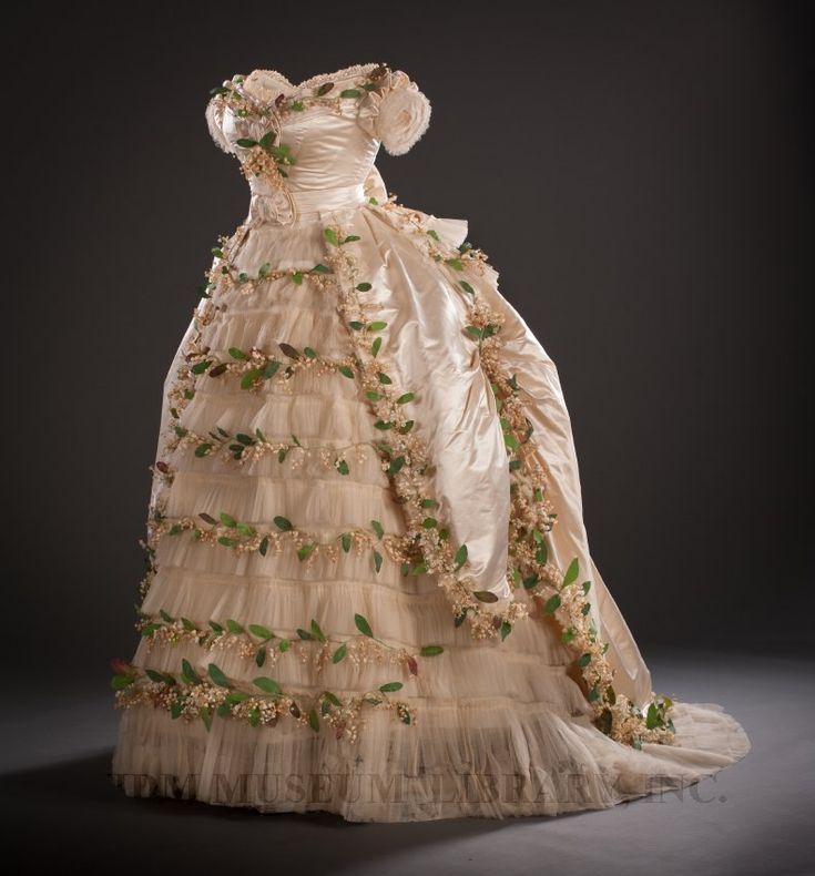 lilys vintage dressing