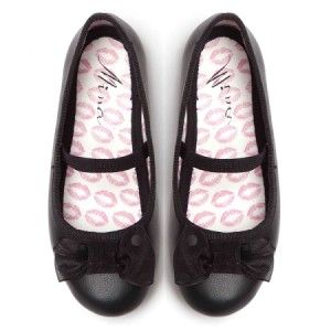 Black shoes for a little girl - must have at school! #backtoschool