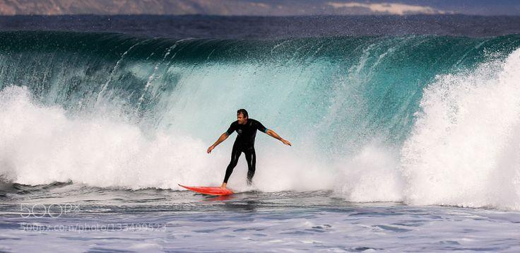 Stilbaai Big wave by HeinrichCokiesSauer