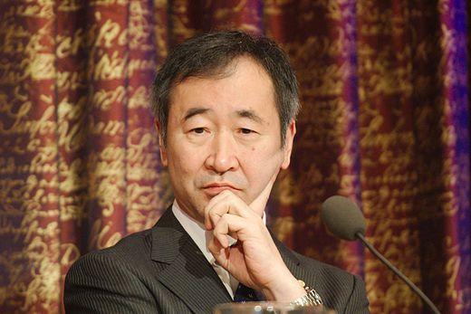 Nobel de physique 2015. Takaaki Kajita , né le 9 mars 1959 à Higashimatsuyama, physicien japonais. Spécialiste de la physique des particules, il obtient le prix Nobel de physique en 2015 pour ses travaux de recherche sur l'oscillation des neutrinos.
