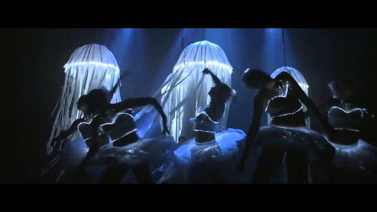 Hanne Vanderstraeten Dit fragment komt uit de film 'Step Up 4: Miami Heat'. In dit stuk van de film wordt dans gecombineerd met kunst op een heel creatieve manier. Deze scene is me bijgebleven en ik vond dat dit fragment zeker past bij kunst.  De film werd publiek gemaakt op 26 juli 2012.  Ik heb deze film leren kennen doordat ik hem in de cinema heb gezien.