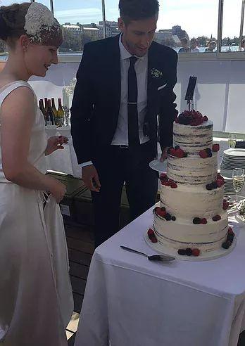 Flotte og unikke designede bryllupskager. Håndlavet dekorationer. Bestil jers rustikke, moderne eller særlig bryllupskager.