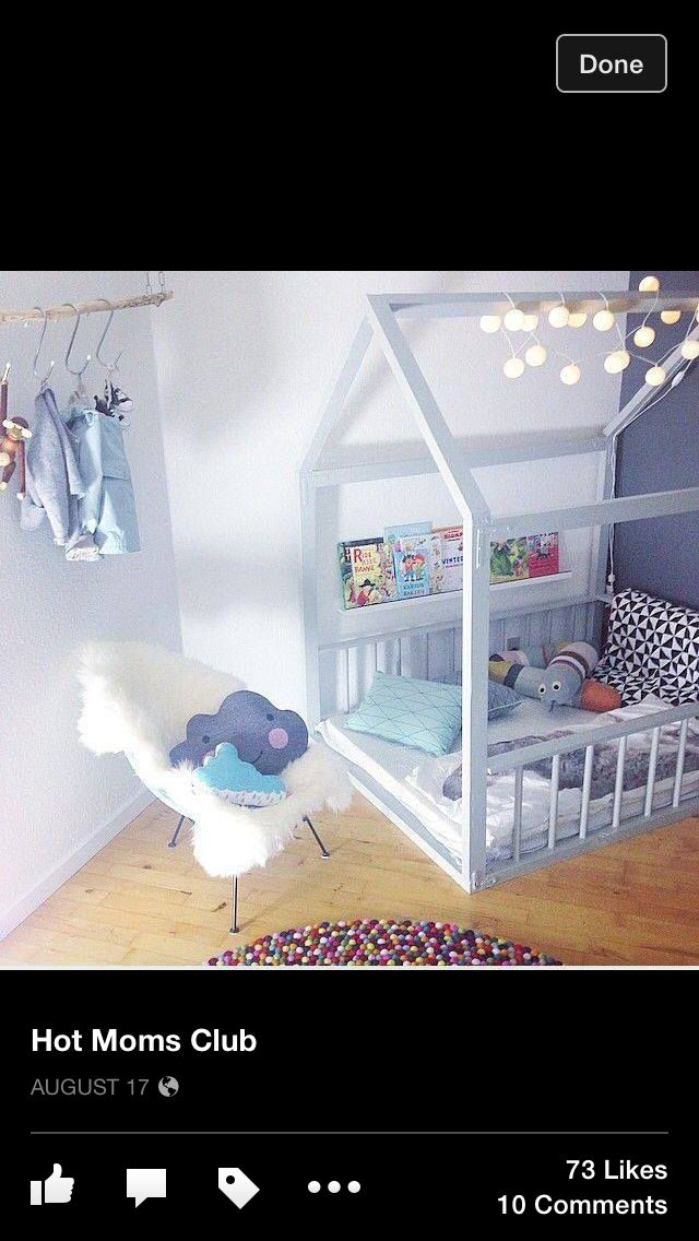 Love this! Not sure about the books right there... they could easily fall on sleeping baby/kid... but cute idea!
