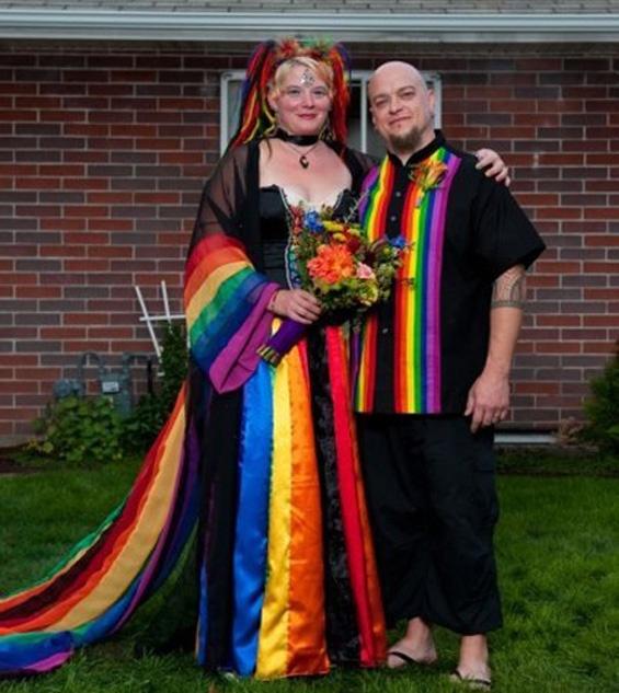 Worst Wedding Pictures Ever: Trashy Wedding Dresses -