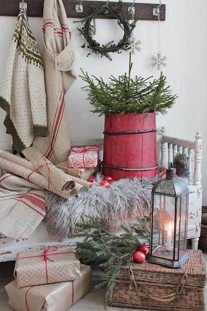 Jeg innrømme det gjerne, jeg har for lengst begynt å tenke JULog om en liten stundhar vivakre desember bankende på døren :))))) I diss...