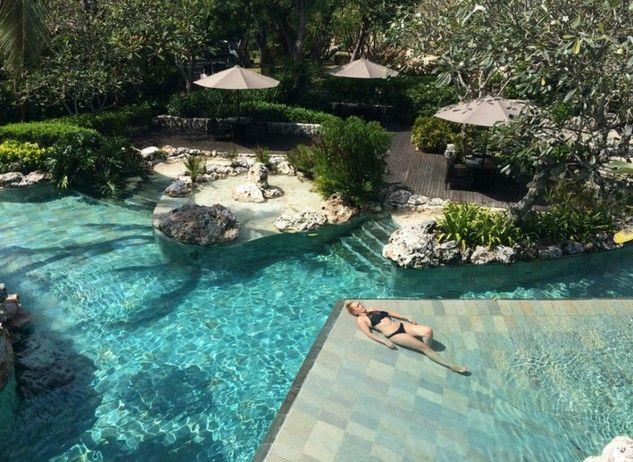 A Bali, uno dei posti che ospita il maggior numero di alberghi capaci di lasciare senza parole, c'è l'Ayana Spa Resort.