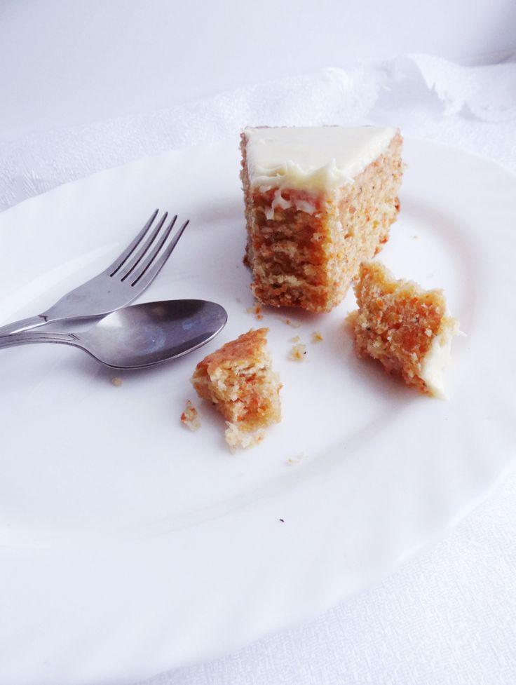 Early Morning: Морковный торт с белой глазурью