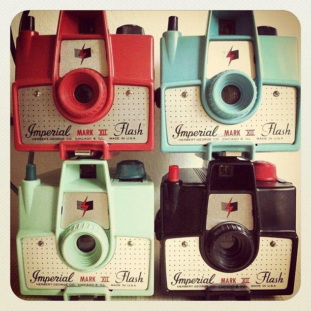 : Vintage Wardrobe, Color Cameras, Vintage Cameras, Vintage Pictures, Cameras Photography, Digital Cameras, Retro Vintage, Flash Photography, Old Cameras