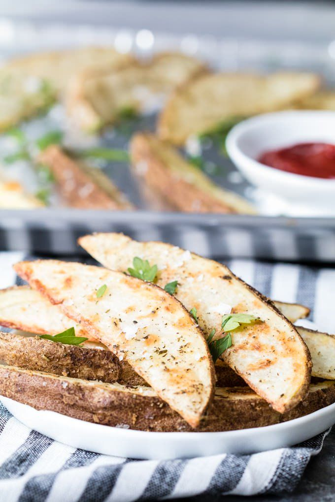 Wondering how to make homemade potato wedges crispier than ever? We've got you covered!
