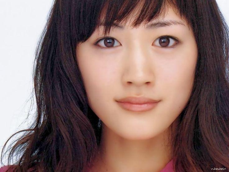 綾瀬はるか 肌 美人 1位 肌年齢 19歳 化粧品 スキンケア