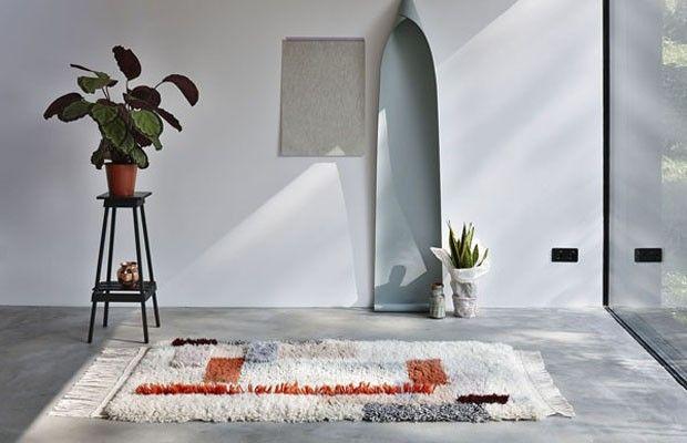 Uma nova versão de um clássico tapete. Tapeçaria marroquina inspira peças de luxo