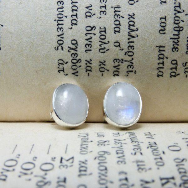 """ Silver Μοonstones "" - Χειροποίητα σκουλαρίκια από ασήμι 925 με Φεγγαρόπετρες!"
