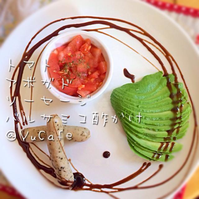 前菜U・x・U - 68件のもぐもぐ - トマト、アボガド、ソーセージのバルサミコ酢かけ by YuCafeHiroshima