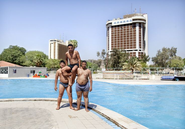Pool near the Tigris river in Baghdad | www.piclectica.com
