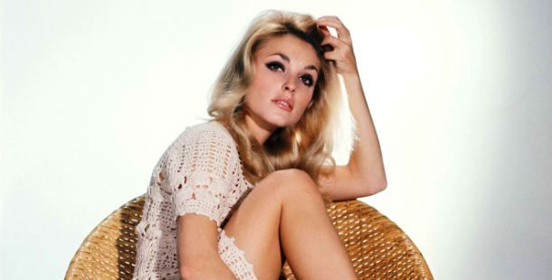 American actress and sex symbol Sharon Tate was murdered on August 1969 by members of the Charles Manson's family. Her body, together with her friends', was found in the living room of her home with a long rope tied around her neck and multiple stab wounds. All of the culprits involved in the crime were sentenced to death.