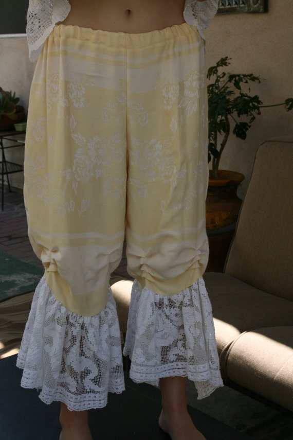 Vintage romantic victorian damask linen and filet lace bloomer pantaloons M L