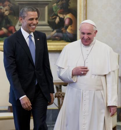 27日、バチカンで会談するローマ法王フランシスコ(右)とオバマ米大統領(AP=共同) ▼28Mar2014共同通信|米大統領、ローマ法王と初会談 国際問題、平和的解決を http://www.47news.jp/CN/201403/CN2014032701001732.html #Vatican #Pope_Francis #Papa_Francisco #Papa_Francesco #Barack_Obama