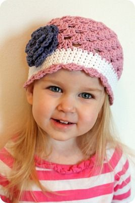 Free Crochet pattern.... cute, cute @Linda Bruinenberg Bruinenberg Wheeler this something you could make for Miss A's birthday?