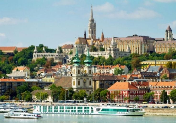 The essential Budapest day trip provided by expert local tour guides is ideal for first-time visitors in Budapest. This tour with Tourboks will take you to visit all the major landmarks of Budapest like Heroes' Square and City Park with Millenium Monument, Icerink, Széchenyi Bath and Budapest Zoo.