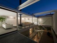 Patio UBICACIÓN: Tokio, Japón PROYECTO: Yaita and Associates Año: 2011 MEMORIA DESCRIPTIVA: El cliente desea una residencia de forma sencilla con un interior totalmente abierto, pero que no pueda s…