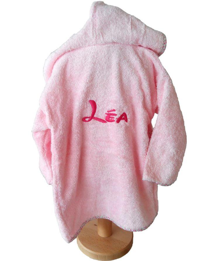 Peignoir enfant bébé personnalisé Léa, cadeau brodé par Brodeway.com #peignoirenfant #personnalisé