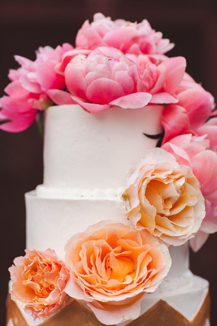 Wedding Cake Decor | See the wedding on #SMP Weddings ~ http://www.stylemepretty.com/2013/08/27/birmingham-wedding-from-white-rabbit-studios/  White Rabbit Studios