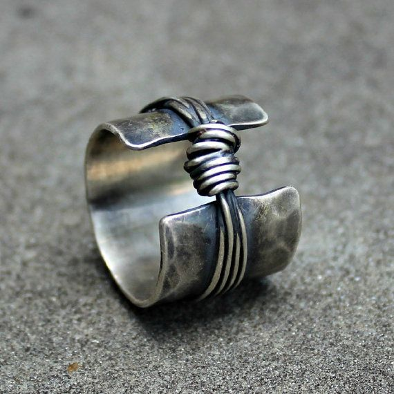 Sterling Silver Ring - Sterling Band Ring - Textured Silver Ring - Sterling Knot Ring - Organic Sterling Band - Rustic Silver Ring - Chunky This ring is made to order. Please allow 1 wk to complete. Just order the size you need. This is a fun, rustic sterling silver ring featuring an open band in the front and a knot. These are hand fabricated by me in my studio. The band is wide and thick (18 gauge), but comfortable. There are sterling wires that go around the band in an irregular fashio...