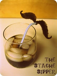 'Stache sipper tutorial. Cute for a party, or funny family dinner time.