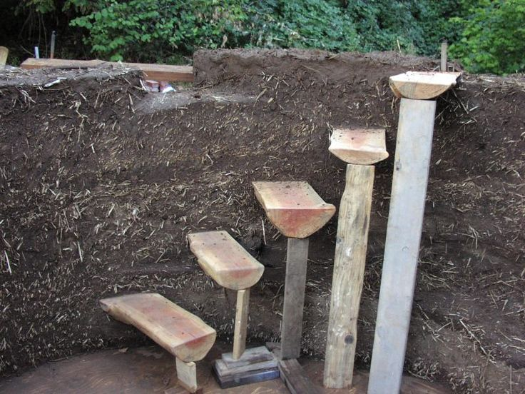 building stairs into cob walls- the site this links to has beautiful pictures of other cob structures.