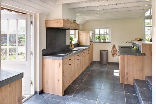 Exclusieve Eiken Keukens : Landelijk moderne eiken keuken met zeer exclusieve houten