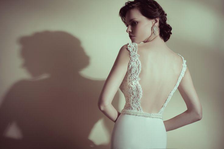 low back, slim fitting, lace, vintage dress boho wedding dress , Pearl belt... http://flora-bride.com/