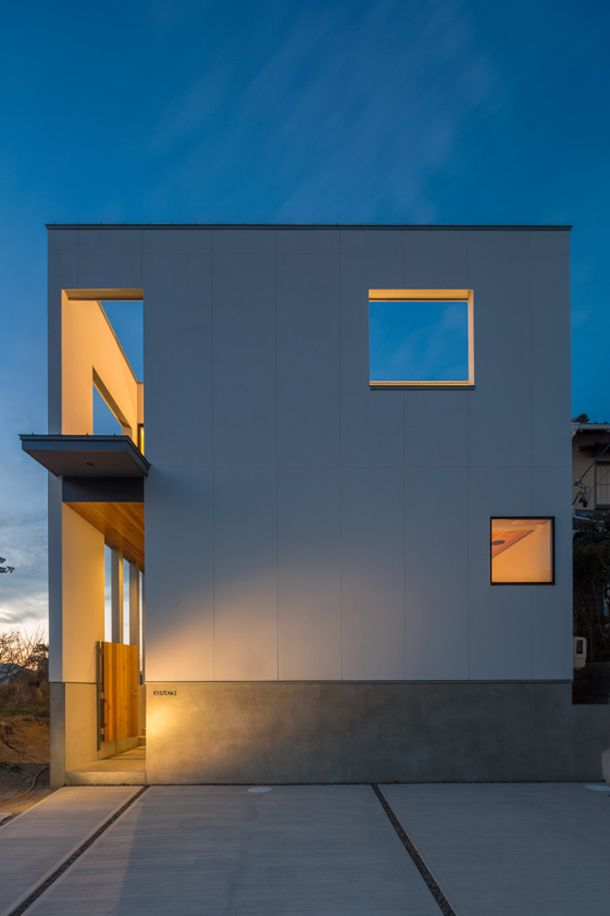 シンプルで白いキューブの家・間取り(愛知県岡崎市)   注文住宅なら建築設計事務所 フリーダムアーキテクツデザイン