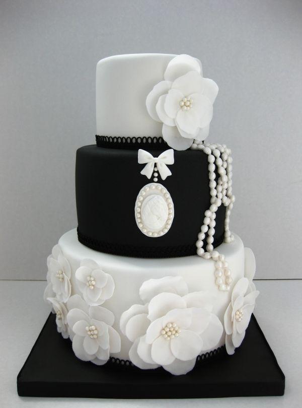 Beautiful black and white wedding cake