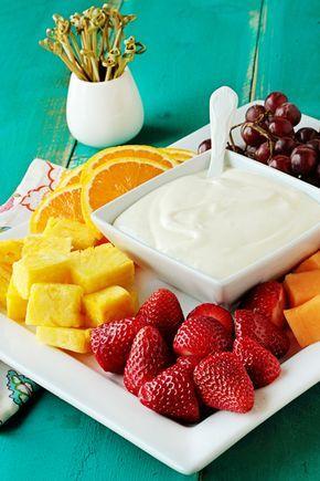 Dip Fruta Dreamsicle (12 onzas de queso crema, suavizado 1 (7 onzas) de crema de malvavisco tarro de azúcar glass 1/3 taza 1 cucharada de ralladura de 'naranja 2 cucharadas de jugo de naranja fresco)
