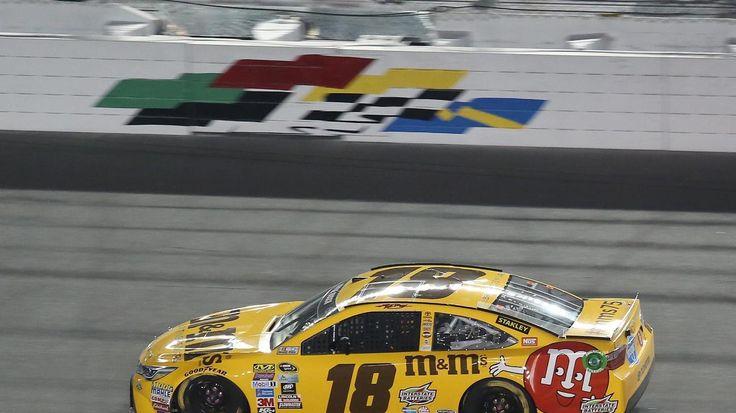 Daytona 500 Qualifying Stephen M. Dowell / Orlando Sentinel Kyle Busch races during the Can-Am Duel #2 Sprint Cup qualifying race at Daytona International Speedway on Thursday, February 18, 2016. (Stephen M. Dowell/Orlando Sentinel)