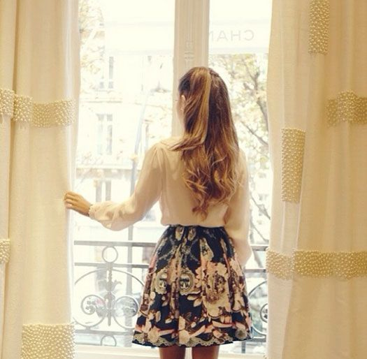 Ariana Grande shows off her gorgeous style in Paris, France!