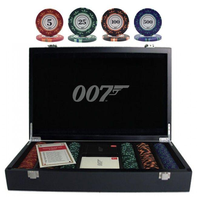 """James Bond fans opgelet! 007 luxe pokerset in een waanzinnige houten pokerkoffer met 300 chips. Met deze complete pokerset van de Britse geheim agent 007 a.k.a. James Bond heb jij altijd een """"License to Kill"""" aan de pokertafel."""