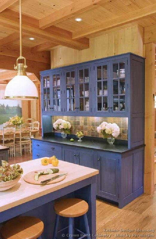 Blue kitchen cabinet. How did the world get so averse to colored anything in the home? I want a redo!