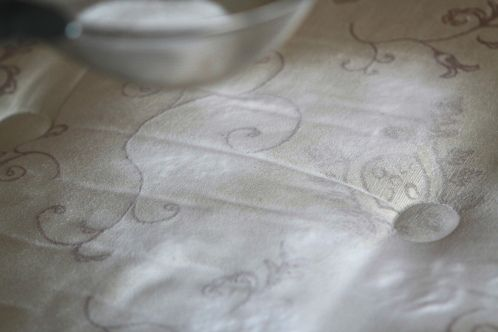 Limpieza de colchón: bicarbonato y aceite esencial de lavanda.