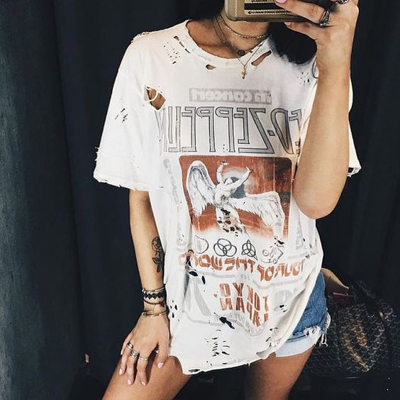 24a2dec5a 4 Ways To Wear T-shirts In Winter? – The Fashion Tag Blog | Style ...