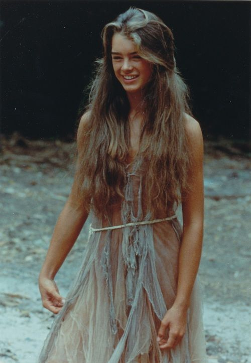 """Brooke Shields when she was a teenager in the movie """"The Blue Lagoon"""""""