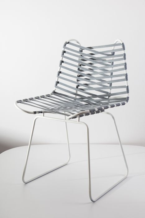 The Ottantina chair is inspired by the complex geometry found in architecture and structural engineering as well as art pieces by Naum Gabo or Henry Moore. Two systems of interwoven belts create a very adaptable and comfortable seating surface.
