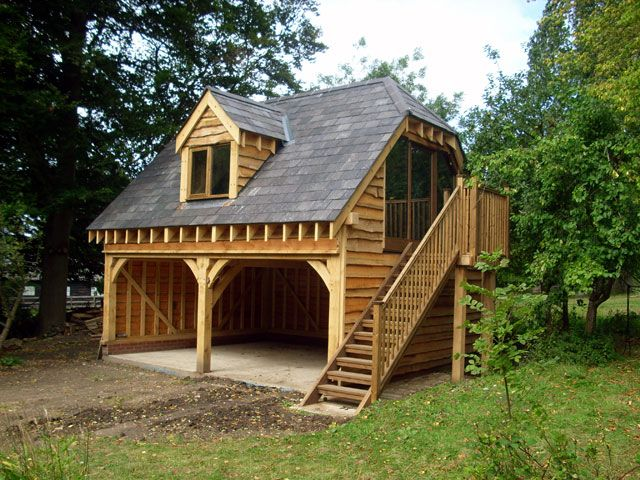 Bespoke Oak Garage with extended eaves to make more of the space above