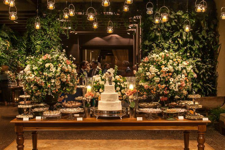 Casamento rústico-chique: mesa de doces - Foto Helson Gomes