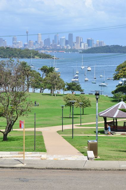 http://www.weblogtheworld.com/countries/pacific/australia/city-sydney/8-stunning-photos-of-australia-from-north-to-south/