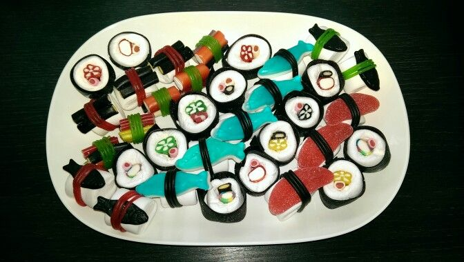 Traktatie: snoep sushi (candy sushi)