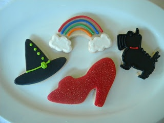 Recipe Wizard of Oz Cookies by Whimsy Cookie Co. - Petit Chef