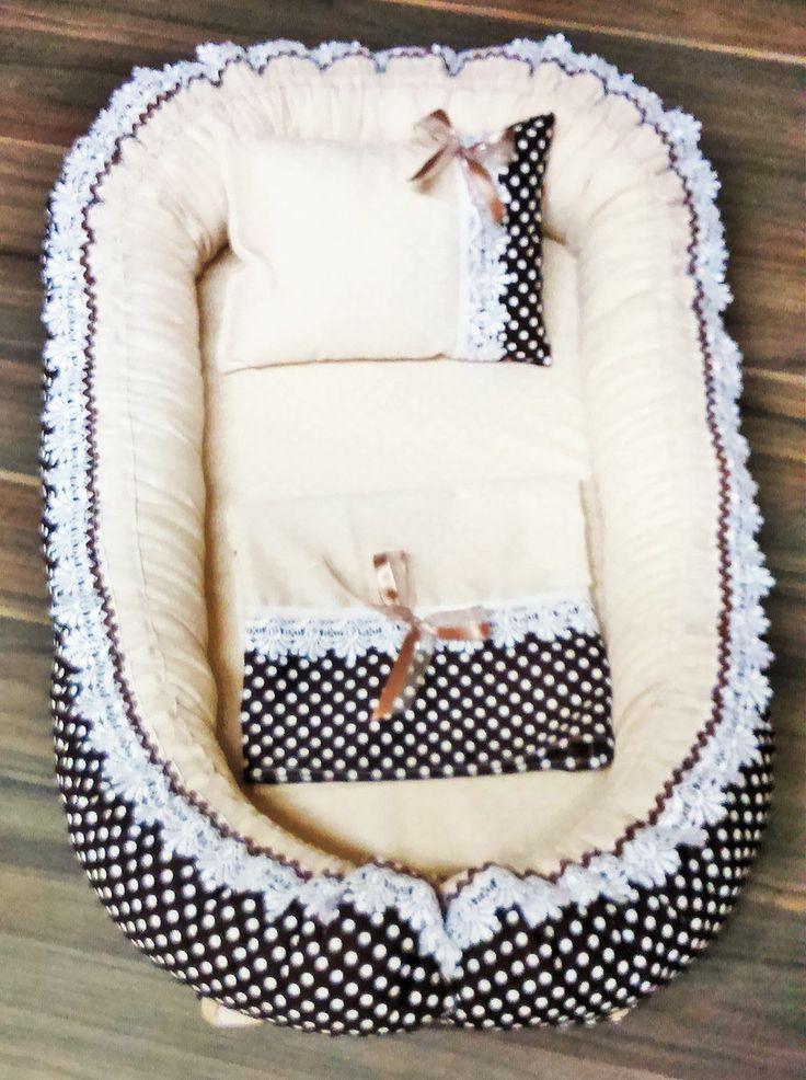 Item indispensável em toda Europa!    Contém:  1 Ninho  1 Almofada Naninha  1 Cueiro 70x70cm    Reproduz o ambiente uterino mantendo seu bebê aquecido e seguro.  Permite que o bebê permaneça na cama dos pais com segurança para ambos durante a noite. Pode ser usado no berço, e se for dormir fora é...
